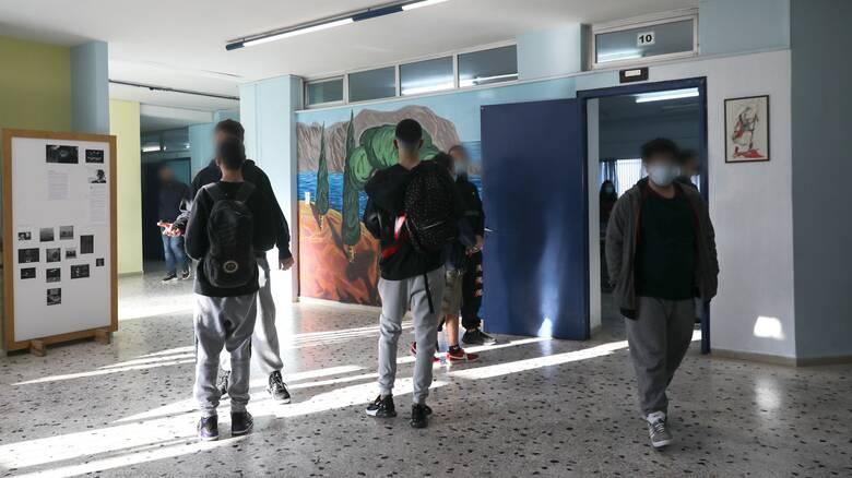 ΟΛΜΕ: Συνάντηση με τον Δ. Κουτσούμπα για την επαναλειτουργία των σχολείων
