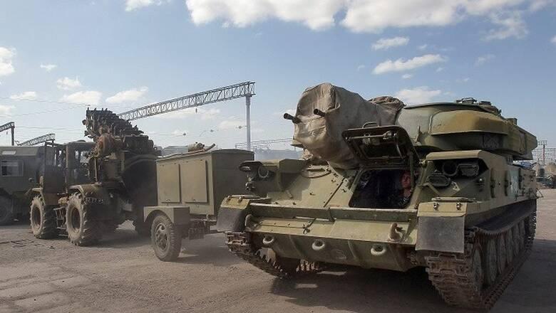 Ουκρανία: Γυμνάσια προσομείωσης επίθεσης με άρματα μάχης κοντά στην Κριμαία