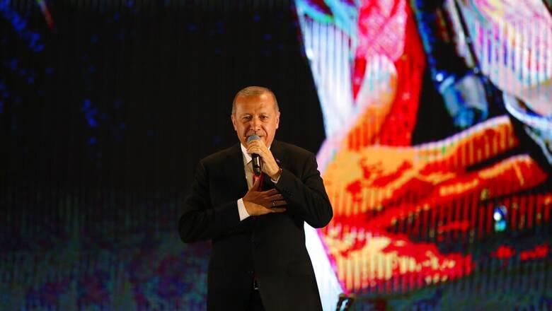 Ερντογάν μαινόμενος: Αναίδεια και χυδαιότητα το «δικτάτορας» του Μάριο Ντράγκι