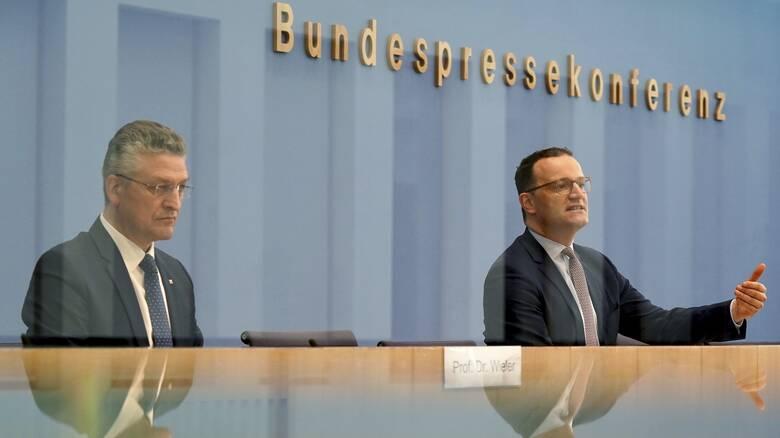 Κορωνοϊός - Γερμανία: Δραματική έκκληση για νέα μέτρα, στο «κόκκινο» οι ΜΕΘ