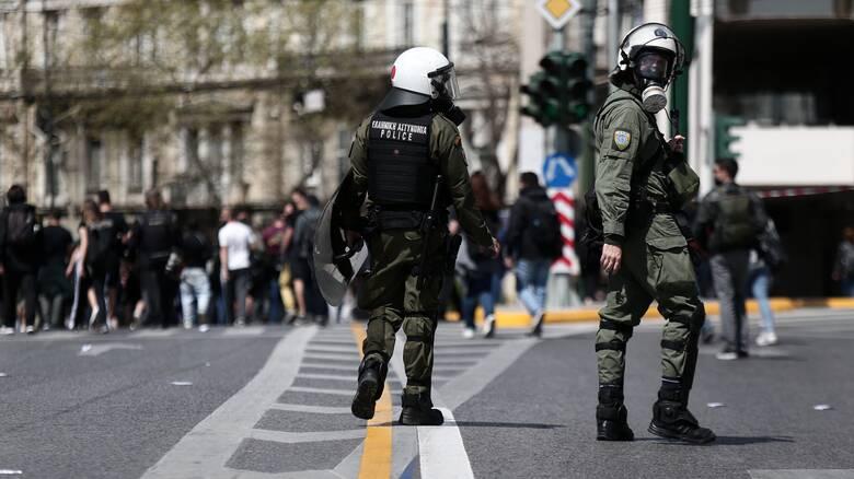 Πανεκπαιδευτικό συλλαλητήριο στην Αθήνα: Ένταση και χημικά έξω από την ΑΣΟΕΕ