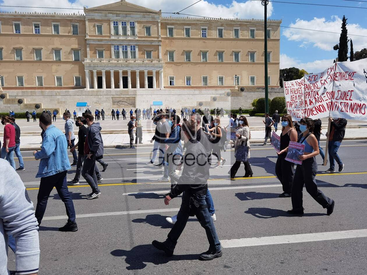 https://cdn.cnngreece.gr/media/news/2021/04/15/262244/photos/snapshot/60782f0becda8.jpg