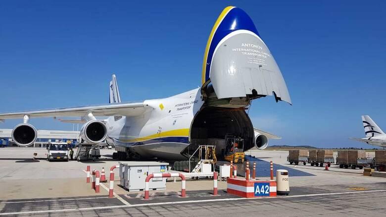 Self test: Με αεροσκάφος Antonov παραλήφθηκαν ακόμα 2,5 εκατ. τεστ