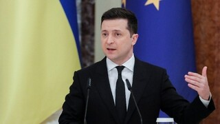 Ουκρανία: Ο πρόεδρος Ζελένσκι ζητά την ένταξη της χώρας του στην ΕΕ και στο ΝΑΤΟ