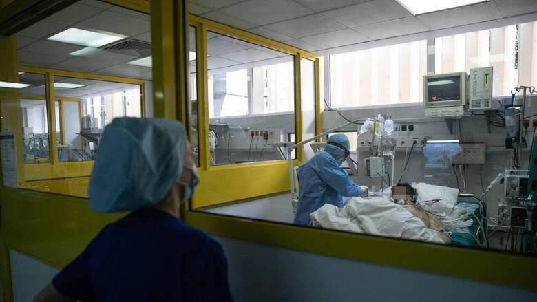 Κορωνοϊός: Δύο στους 100 ασθενείς σε ΜΕΘ παθαίνουν εγκεφαλικό