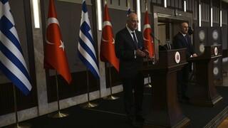 Πώς μετέδωσαν τα τουρκικά μέσα το «θερμό επεισόδιο» Δένδια - Τσαβούσογλου