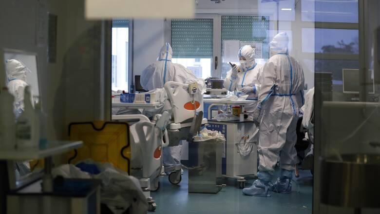 Κορωνοϊός: Αρνητικό ρεκόρ με 824 διασωληνωμένους - 3.067 νέα κρούσματα, 91 θάνατοι