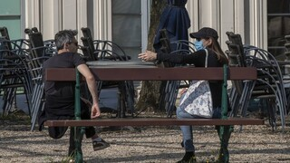 Κορωνοϊός: Προβλήματα ψυχικής υγείας ακόμη και στους -συνήθως χαρούμενους- Δανούς