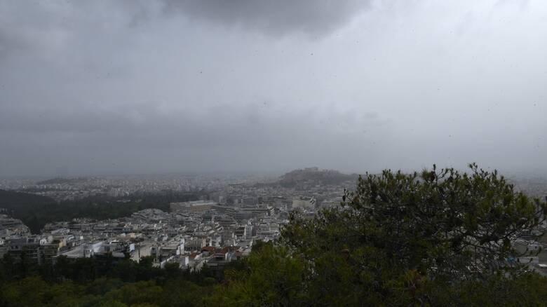 Καιρός: Λασποβροχή και άνοδος της θερμοκρασίας σήμερα