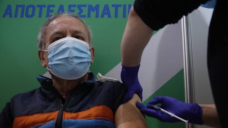 Κορωνοϊός - Τζανάκης: Δεν αποκλείεται επικαιροποίηση των εμβολίων και τρίτη δόση