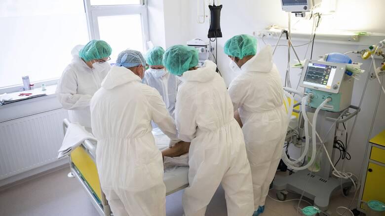 Θεσσαλονίκη: Με πληρότητα που αγγίζει το 100% στις ΜΕΘ αρχίζει η εφημερία στα νοσοκομεία