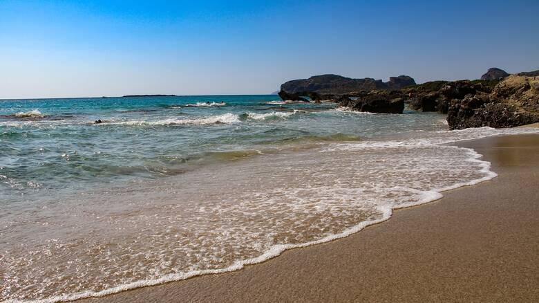 Καιρός: «Καλοκαιράκι» στην Κρήτη, «χειμώνας» στις Πρέσπες - Μεγάλες διαφορές θερμοκρασίας στη χώρα