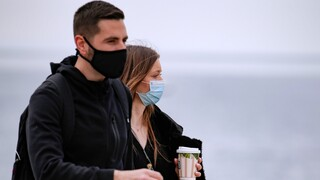 Lockdown: Στους δρόμους Αθηναίοι και Θεσσαλονικείς για μια «ανάσα ελευθερίας»