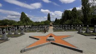 Νέο μέτωπο έντασης με τη Ρωσία: Σε ΕΕ και ΝΑΤΟ στρέφεται η Τσεχία - «Βρυχάται» η Μόσχα
