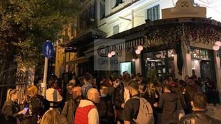 Κορωνοϊός: Προβληματισμός για τα κορωνοπάρτι - «Καμπανάκι» από τους ειδικούς