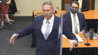 Δίκη Φλόιντ - Εισαγγελέας: «Ζητούσε βοήθεια μέχρι την τελευταία πνοή του»