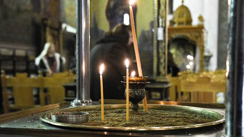 Πάσχα: Ο «ιερός συμβιβασμός» και το σενάριο για Ανάσταση πριν τα μεσάνυχτα