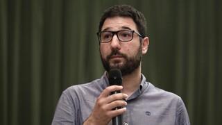 Ηλιόπουλος στο CNN Greece: Ελεγχόμενο άνοιγμα της εστίασης για να μη γεμίζουν οι πλατείες