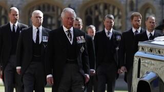 Το «βαθιά προσωπικό» μήνυμα του πρίγκιπα Χάρι στον πατέρα του Κάρολο πριν την κηδεία του Φιλίππου