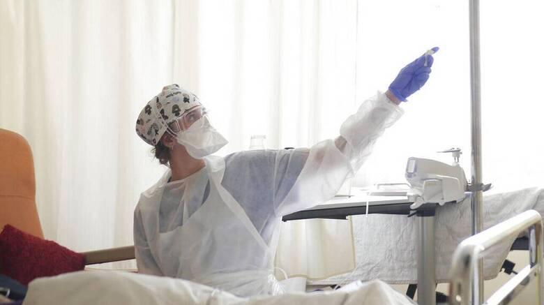 Κορωνοϊός - ΠΟΕΔΗΝ: 48 διασωληνωμένοι ασθενείς εκτός ΜΕΘ στην Αττική