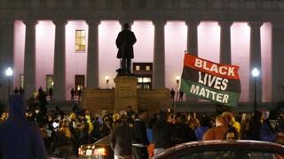 Οχάιο: Νεκρή 16χρονη μαύρη από αστυνομικά πυρά λίγο πριν την απόφαση για τον Ντέρεκ Σόβιν