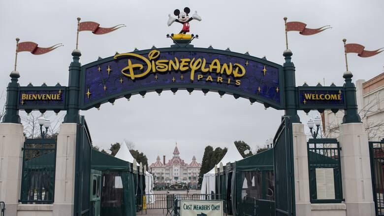 Η Disneyland του Παρισιού μετατρέπεται σε πάρκο... εμβολιασμού κατά της Covid-19