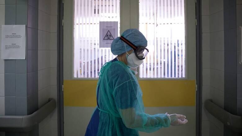Κορωνοϊός - ΗΠΑ: Μεταλλαγμένο στέλεχος εξαπλώθηκε σε γηροκομείο - Το 90% είχε εμβολιαστεί