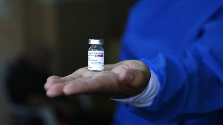 Εμβολιασμός: Ανοίγει τη Μεγάλη Τρίτη η πλατφόρμα ραντεβού για ηλικίες 30 - 39 ετών με AstraZeneca