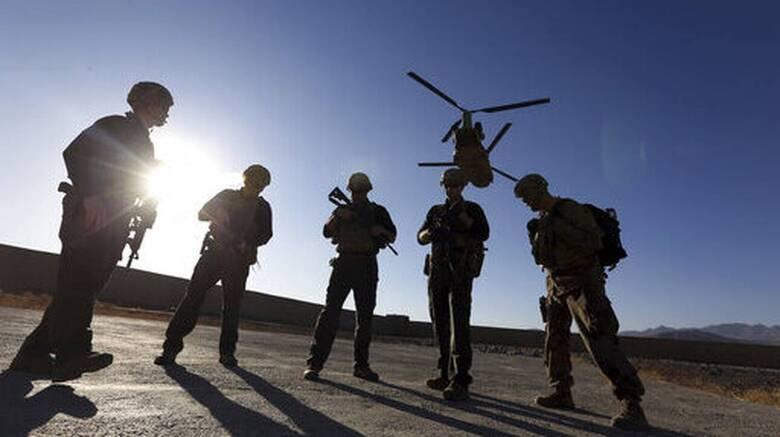 ΗΠΑ: Στρατιωτικοί ζητούν αεροπλανοφόρο για την ασφαλή αποχώρηση των στρατιωτών από το Αφγανιστάν