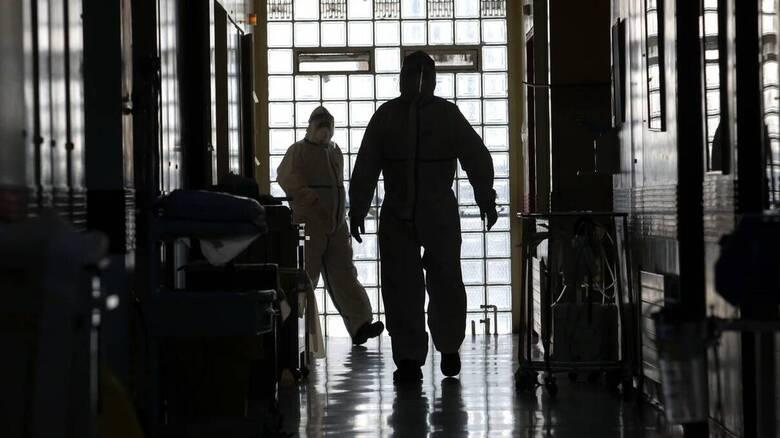 Κορωνοϊός - Πανελλήνιος Ιατρικός Σύλλογος: Αντίθετος στην παράταση της επιστράτευσης γιατρών