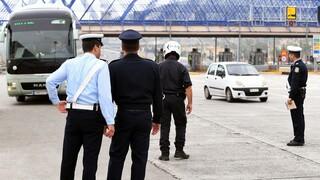 Κορωνοϊός - Πάσχα: Μπλόκα στα διόδια και έλεγχοι σε μετακινήσεις και καταστήματα