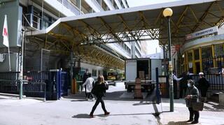 ΠΟΕΔΗΝ: Τουλάχιστον 48 διασωληνωμένοι εκτός ΜΕΘ - 700 υγειονομικοί νοσούν
