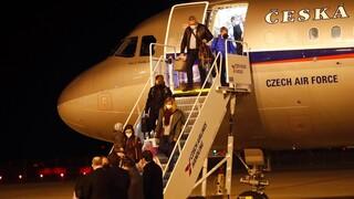 «Πόλεμος» απελάσεων μεταξύ Τσεχίας και Ρωσίας - Άλλους 63 διπλωμάτες «διώχνει» η Πράγα
