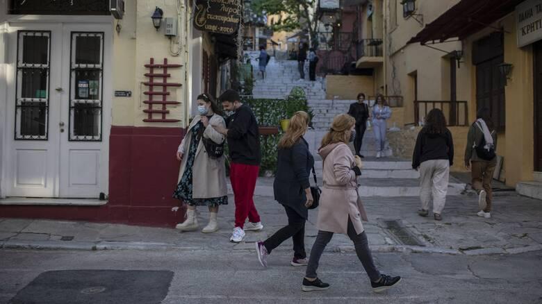 Τζανάκης: Πρόβλεψη για 2.000 κρούσματα μετά το Πάσχα - Καλύτερο από το περσινό το καλοκαίρι