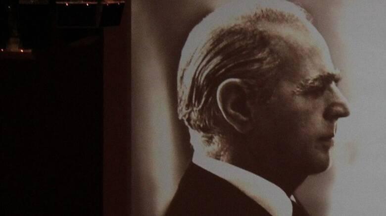 H ΝΔ για τα 23 χρόνια από τον θάνατο του Κωνσταντίνου Καραμανλή: «Σημάδεψε τον 20ο αιώνα»
