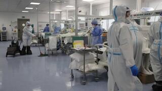 Κορωνοϊός: Επέκταση του ακαταδίωκτου σε όλους τους γιατρούς ζητούν οι υγειονομικοί