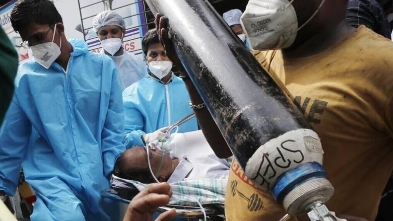 Ινδία: Ποιος και τι φταίει για τη ραγδαία άνοδο των κρουσμάτων κορωνοϊού στη χώρα