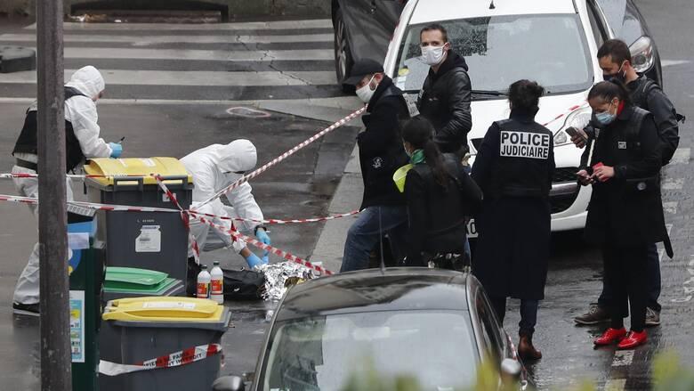 Επίθεση με μαχαίρι στο Παρίσι: Νεκροί μία 49χρονη αστυνομικός και ο δράστης