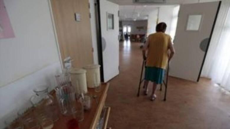 Χανιά: Συγκλονίζουν οι μαρτυρίες για τους ηλικιωμένους που έχασαν τη ζωή  τους σε γηροκομείο - CNN.gr