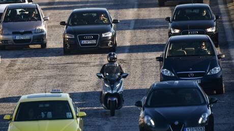 Τέλη κυκλοφορίας με τον μήνα: Πώς θα πάρετε πίσω τις πινακίδες του οχήματός σας