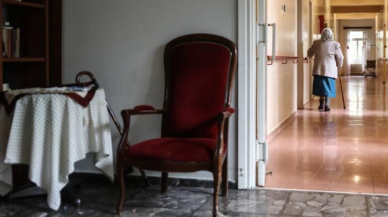 Συγκλονίζει πρώην εργαζόμενος για το γηροκομείο Χανίων: Είδα να πεθαίνουν - Τους χτυπούσαν