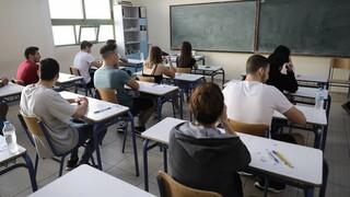 Πανελλαδικές: Τι θα γίνει αν κάποιος μαθητής νοσήσει με κορωνοϊό εν μέσω εξετάσεων