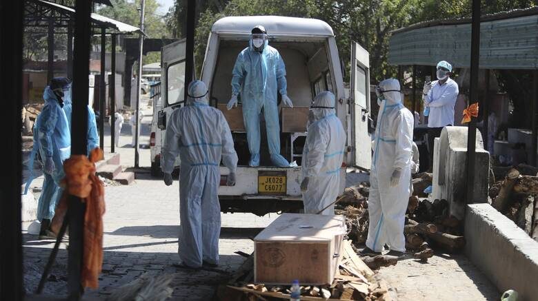 Κορωνοϊός - Τζόνσον: Το Λονδίνο στέλνει ιατρικό εξοπλισμό ζωτικής σημασίας στην Ινδία