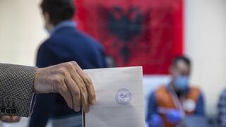 Εκλογές στην Αλβανία: Προβάδισμα Ράμα δίνουν τα exit poll - Στο 48% η συμμετοχή στις κάλπες