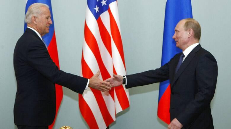 Κρεμλίνο: «Έκλεισε» για το καλοκαίρι η συνάντηση Μπάιντεν - Πούτιν