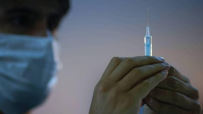 Εμβολιασμός: Ποιες ηλικιακές ομάδες παίρνουν τη «σκυτάλη» εντός της Μεγάλης Εβδομάδας