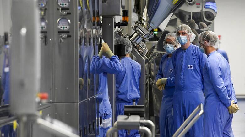 Εμβόλιο κορωνοϊού: «Διαζύγιο» ΕΕ με AstraZeneca –  «Γάμος» με Pfizer/BioNTech