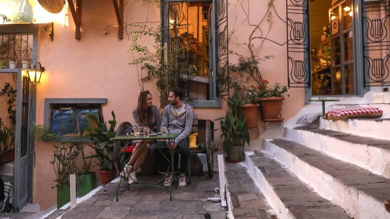 Χωρίς SMS η μετακίνηση σε καφέ και εστιατόρια από τις 3 Μαΐου