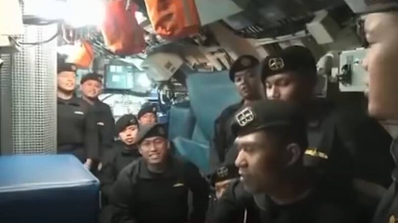 Τραγουδούν «αντίο»: Το «προφητικό» βίντεο του πληρώματος του βυθισμένου υποβρύχιου στην Ινδονησία