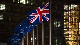 ΕE: Οι ευρωβουλευτές εγκρίνουν την μετά το Brexit εμπορική συμφωνία με τη Βρετανία